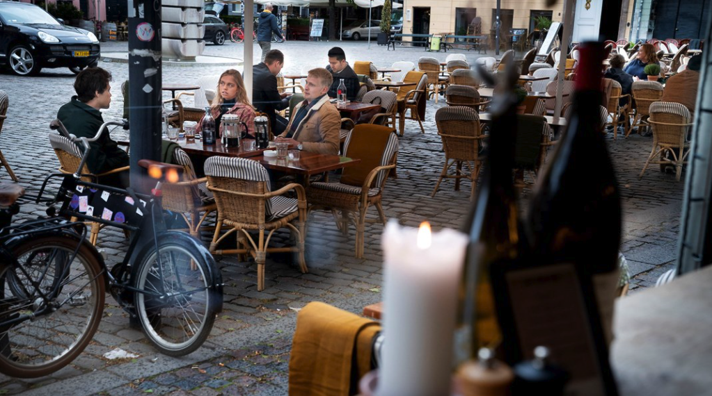 Folketinget tvinger lidende restauranter til at diskriminere deres kunder